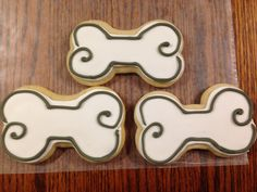 Dog bone sugar cookies for school