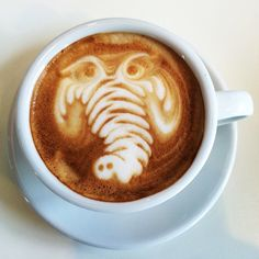 Have a great day!  #hot #awesome #organic #cappuccino #coffee #latteart #passion #coffeeroaster #elephant #photo #heiß #kaffee #elefant #foto