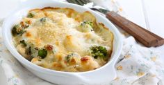 Golden Cauliflower and Broccoli Bake Quick Dinner Recipes, Side Recipes, New Recipes, Healthy Recipes, Cooking Tips, Cooking Recipes, Broccoli Bake, Food Porn, Gastronomia