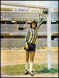 International Football, Turkish Fashion, Sports Clubs, Goalkeeper, Champs, Istanbul, Nostalgia, Hipster, Baseball Cards