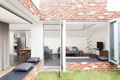 Architecture Architecture studio has extended a house in Melbourne by adding an open-plan living area with folding windows opening to a sheltered courtyard. Wall Color Combination, Recycled Brick, Internal Courtyard, Brick Courtyard, Contemporary Architecture, Brick Architecture, Residential Architecture, Modern Contemporary, Open Plan Living