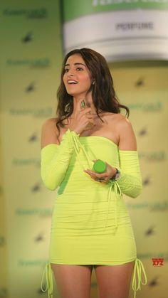 Indian Actress Hot Pics, Indian Bollywood Actress, Bollywood Girls, Beautiful Bollywood Actress, Most Beautiful Indian Actress, Bollywood Fashion, Indian Actresses, Bollywood Stars, Indian Celebrities
