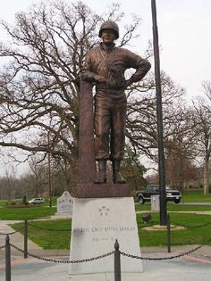 Moberly, MO : General Omar Nelson Bradley at Rothwell Park