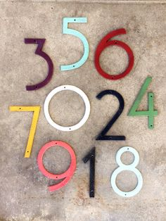 BEST SELLER ! Mid Century modern style.   Listing price is for (1) single number. Modern style cast iron numbers. Apply on almost anything. Outdoors as your house numbers, on a wall next to wall hooks or cabinet drawers. Make your own wedding table numbers; Made of cast iron  Important:  🌿Please choose in our WHICH NUMBER button numbers needed🌿   Each number measures approximately : -7 1/4 tall  -5 wide  -1/4 deep    *** Matching hardware enclosed
