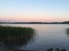 Iltameren rannalla. Evening on the seashore, Finland.