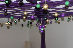 Mardi Gras Party Decor