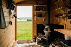 Crook's View - A shepherd's hut used to accommodate guests in Weston Super Mare, England (add a bathroom, and it's perfection)