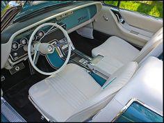 1965 Thunderbird Convertible, Midnight Turquoise and white, with white interior :: Interior/dash detail