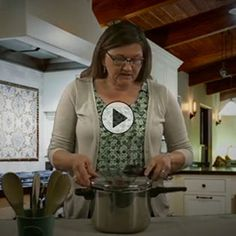 Pressure Cooking Basics (Video) - Real Food - MOTHER EARTH NEWS