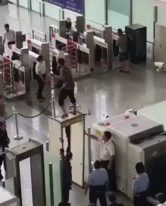 Gentleman vs. airport security – Gif