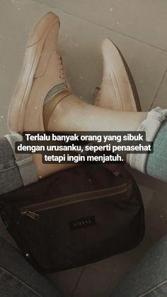 Bio Quotes, Story Quotes, Tumblr Quotes, Sarcastic Quotes, Qoutes, Quotes Indonesia, Couple Pictures, Mood, Random