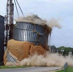Another bin collapse last week. Is this by design? Or is it the contractor Farm Humor, Grain Storage, Redneck Humor, Farm Boys, Bizarre, Agriculture, Farming, Haha Funny, Abandoned Places