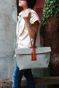 The Criss-Cross Bag by Quote -- leather n canvas (houndstooth) from Etsy Mk Bags, Tote Bags, Leather Handle, Leather Bag, Leather Fashion, Diy Sac, Fabric Bags, Handmade Bags, Houndstooth