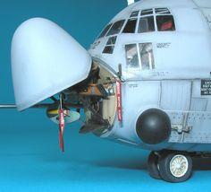 Hellenic modellers official website / HEL.MO. - 1/72 Esci Ertl AC-130 by John Vojtech