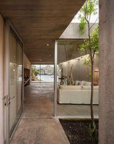 Se denne mageløse villa, som er bygget til en kunstner på Chiles forrevne klippekyst. Her kunne man godt finde lidt god karma ...