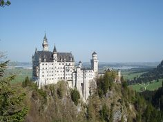 Stunning direct view of castle Neuschwanstein and the Alps. Perfect location for hiking, biking, skiing, swimming in the lake, relaxing and wellness. Birkeneck offers you 3 beautiful luxury holiday apartments ...