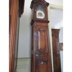 Horloge de parquet  d'Epoque Louis XV  En Noyer   PROVENCE