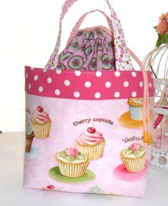 Rosa Chá Atelier : Lancheira/Lunch bag cupcakes