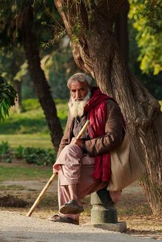 The Thinker. Lahore, Pakistan - Steve McCurry                              …