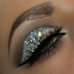 Kelly one of my nurses wears this adorable sparkly eye shadow. Love it.