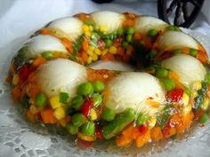 Coronita de legume Food Garnishes, Weird Food, Food Inspiration, Sushi, Cooking, Ethnic Recipes, Nicu, Mai, Food Ideas