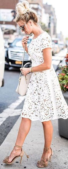 fashion trends outfit: heels + lacer dress + bag