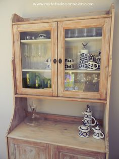 renovar un salón China Cabinet, Ideas Para, Storage, Diy, Furniture, Home Decor, Painted Furniture, Rustic White, Homemade Home Decor