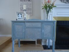 Louis Blue color. I pasted the wallpaper on the front of the doors, in order to give relief of elegance and romanticism to this lovely buffet and I painted with this sweet color. I also added a bit of wax dark in some places to give it an old-fashioned air. https://www.facebook.com/pages/Annie-Sloan-Canada-31-Days-of-Chalk-Paint/866453600056134?fref=ts