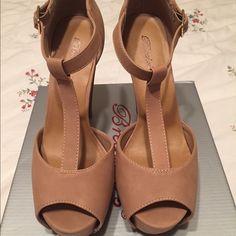 Breckelles high heels Brand new breckelles high heels never been used Breckelles Shoes Heels
