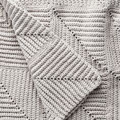 This mitered blanket is a fun and easy way to achieve stunning texture! Crocheted in Bernat Maker Home Dec. | Yarnspirations | Free Pattern |crochet