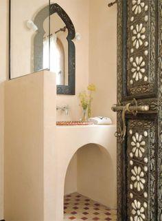 so maroccan style ~ Ethnic Home Moroccan Bathroom, Moroccan Art, Moroccan Interiors, Moroccan Design, Moroccan Style, Bathroom Inspiration, Interior Inspiration, Bathroom Ideas, Design Marocain