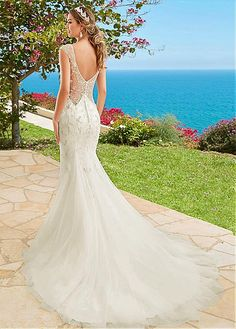 Junoesque Tulle V-neck Neckline Mermaid Wedding Dresses With Embroidery & Beadings