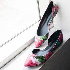 Floral Painting Pointy Flats