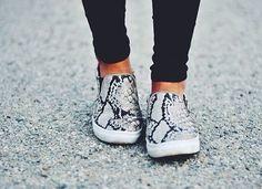 Snakeskin Shoes //