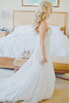 Getting wedding ready with down curled wedding hair. Captured By: Elyse Hall Photography ---> http://www.weddingchicks.com/2014/06/02/desert-wedding/