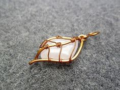 PRETTY LEAF pendant - copper wire combined pink quartz - copper jewelry - wire…