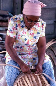 Lucreaty Clark making white oak basket