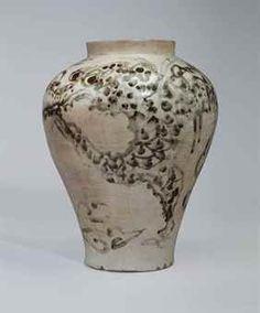 An iron-decorated white porcelain jar, JOSEON DYNASTY (17TH CENTURY)