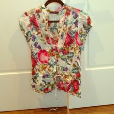 Floral cap sleeve blouse/shirt Size medium- 100% cotton floral print, lace detail , cap sleeves with elastic. Beautiful addition to your wardrobe! love squares Tops Blouses