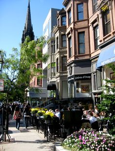 Newbury Street cafes in Back Bay, Boston, MA - man, do I remember this place!! I once bought a $300.00 Oilily denim trench coat in one of the boutiques. For that price, you best believe I still have that trench!!
