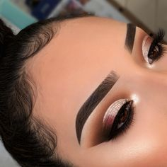 50 Amazing party makeup looks for the holidays, party makeup, eyeshadow makeup looks, glam makeup looks makeup makeup tutorial tutorial beauty how to lipstick kylie jenner easy makeup how to apply makeup artist cosmetics before and aft Party Makeup Looks, Glam Makeup Look, Makeup Eye Looks, Body Makeup, Cute Makeup, Pretty Makeup, Beauty Makeup, Makeup Goals, Makeup Inspo
