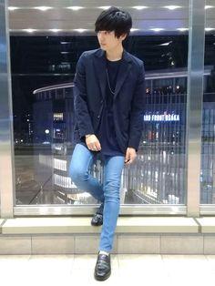 テーラードジャケットコーデです✨   裏地がキュプラなので袖通しが最高です     では!     もしコーデを気に入ってもらえましたら、    いいね❤️    お気に入り    フォロー   を、是非、よろしくお願いします。     コーデまとめ   ------------------   UNITED TOKYO テーラードジャケット Sサイズ   H&M Tシャツ XLサイズ   tk.TAKEO KIKUCHIネックレス フリーサイズ   H&M スキニーデニム レディースサイズ    REGALローファー 24.5cm(※REGALサイズのため注意)