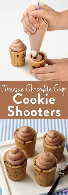 How to Make Mousse Chocolate Chip Cookie Shooters - Learn how to make these delicious cookies and mousse chocolate chip cookie shot glasses! Impress your guests with this delicious dessert or make the (Chocolate Chip Cupcakes) Crispy Cookies, Yummy Cookies, Yummy Treats, Sweet Treats, Baking Cookies, Pudding Cookies, Baking Cups, Sugar Cookies, Mini Desserts
