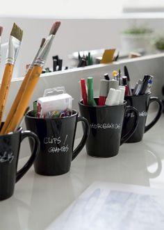 Boa ideia para organizar materiais de escritório!