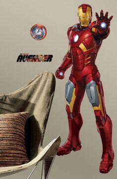 Gênio, bilionário, playboy, filantropo. O Homem de Ferro é um dos favoritos da nova geração. Criado nos anos 60, o personagem ganhou notoriedade principalmente nos cinemas. O adesivo de parede com o personagem é uma ótima opção para os fãs de Tony Stark e dos Vingadores!
