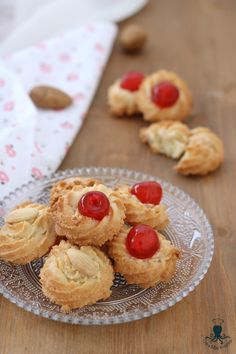 Almond pastries, a real treat for the palate, real … – Pastry, cakes, cookies Italian Almond Biscuits, Almond Pastry, Cheesecake, Sicilian Recipes, Cake Ingredients, Mini Cupcakes, Vanilla Cake, Sweet Treats, Muffin