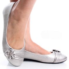 Silver Womens Ruched Rhinestone Flower Bow Slip On Ballet Flat Shoes