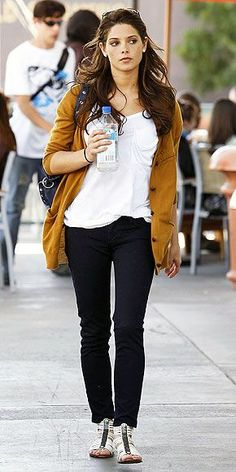 Everyday look, Ashley Green Ashley Green, Winter Looks, Night Looks, Beautiful Celebrities, Cardigans For Women, Her Style, Celebrity Style, Celebrity News, What To Wear