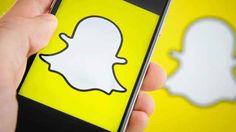 Snapchat si aggiorna con scatti notturni, video loop e hands free Mi chiedo chi - alla fine - vincerà la battaglia per l'app fotografica più trendy tra Snapchat e Instagram: sino a poco tempo fa, complice anche la tendenza dei giovani a fare del sexting (scambio di #snapchat #windows #app #social