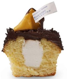 Fortune Cookie Cupcake